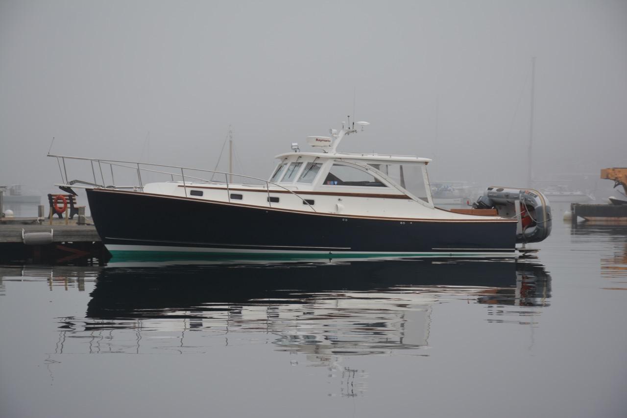 Express Cruiser Vs Cabin Cruiser